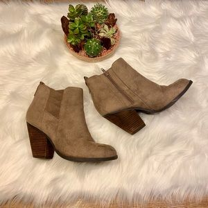 Mix No. 6 Suede Ankle Booties Natural Heels Size 9